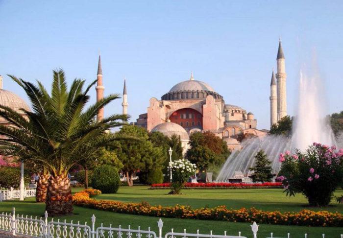 Стамбул - міст між Сходом та Заходом